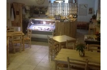 <a href='http://www.portaledelleosterie.it/andarosterie_cerca_dettaglio.php?id=605'><b>&Egrave; n&#39;osteria</b> - Nocera Umbra (PG)</a>
